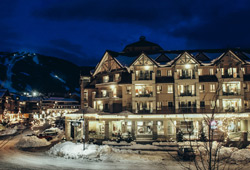 Summit Lodge Boutique Hotel (Canada)
