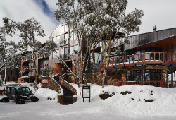 Astra Lodge, Falls Creek (Australia)